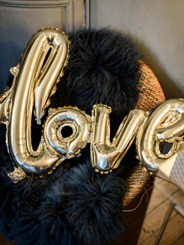ballon love doré