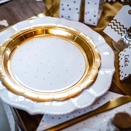 assiettes pois et festons blanc or fête tendance dorée