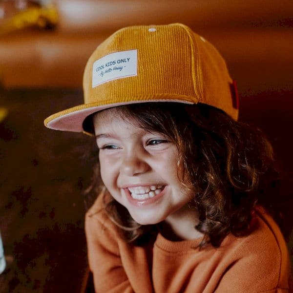 Casquette Sweet honey Hello Hossy moutarde velours tendance look enfant