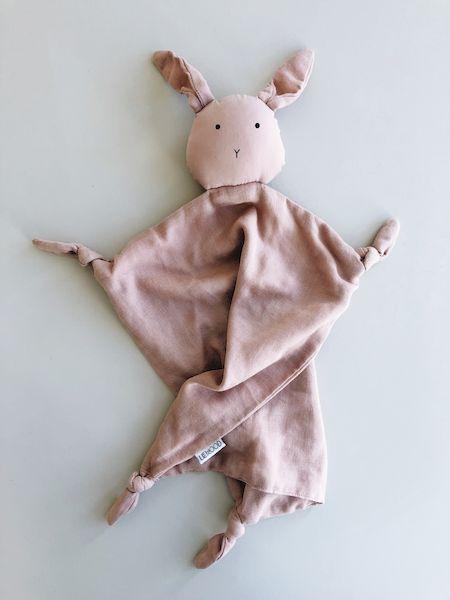 doudou lange robbie liewood lapin rose coton bio cadeau naissance bébé