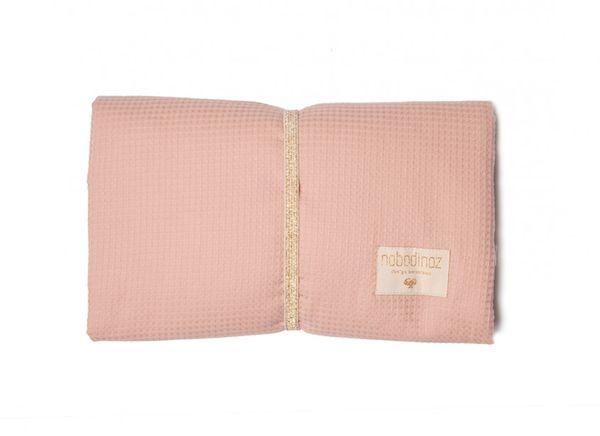 Tapis à langer Mozart Misty Pink Nobodinoz cadeau de naissance bébé