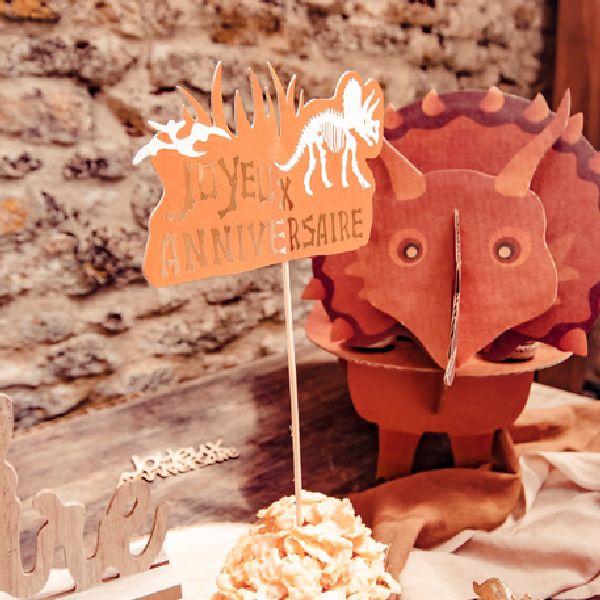 """Décoration""""joyeux anniversaire"""" dinosaure"""